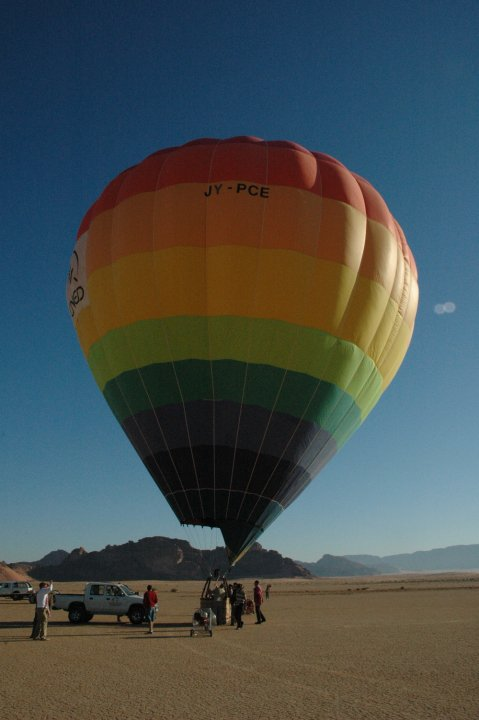 hot-air-balloon-wadirum